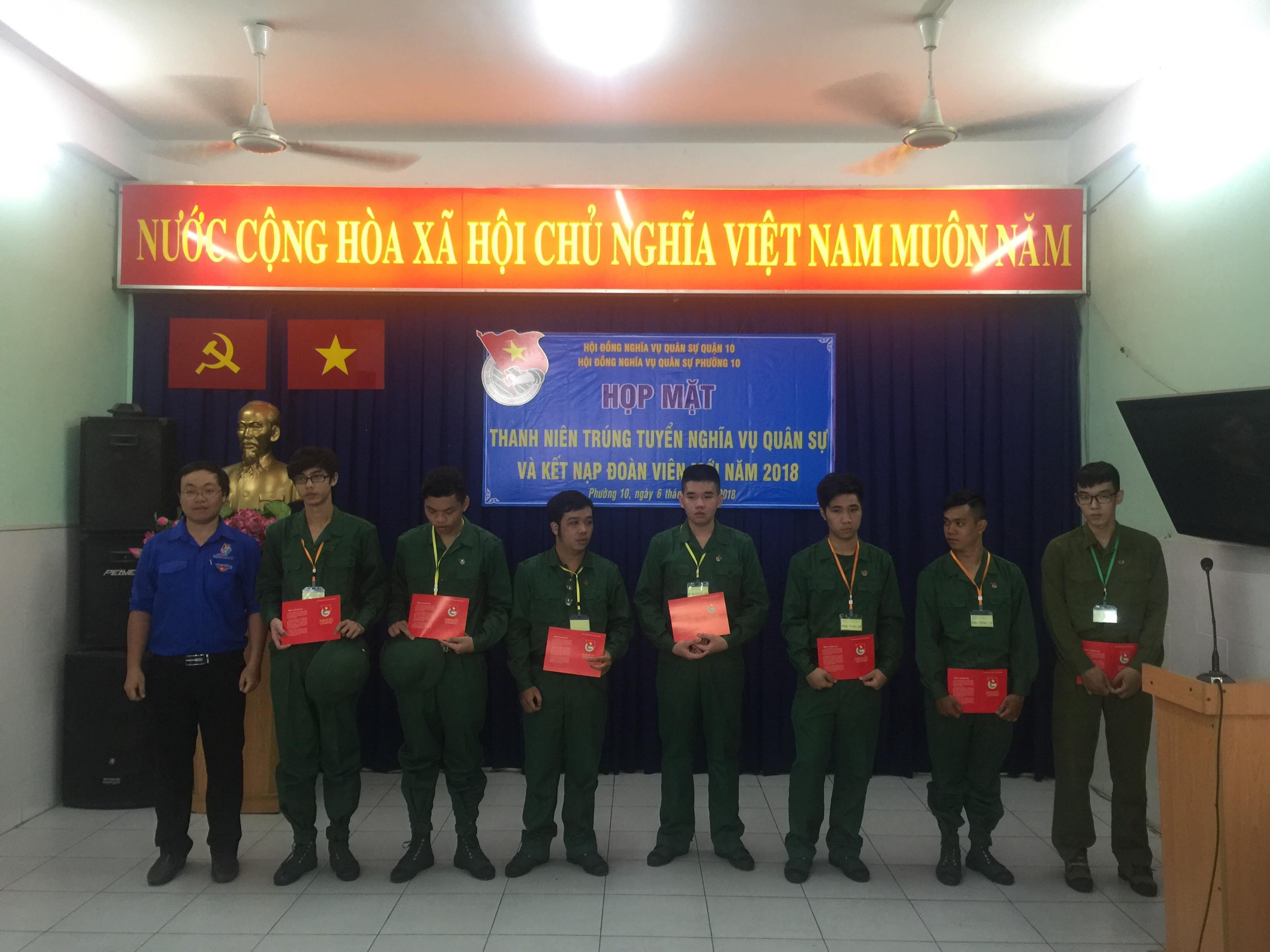 Phường 10 tổ chức lễ kết nạp Đoàn viên mới và họp mặt thanh niên trúng tuyển nghĩa vụ quân sự năm 2018