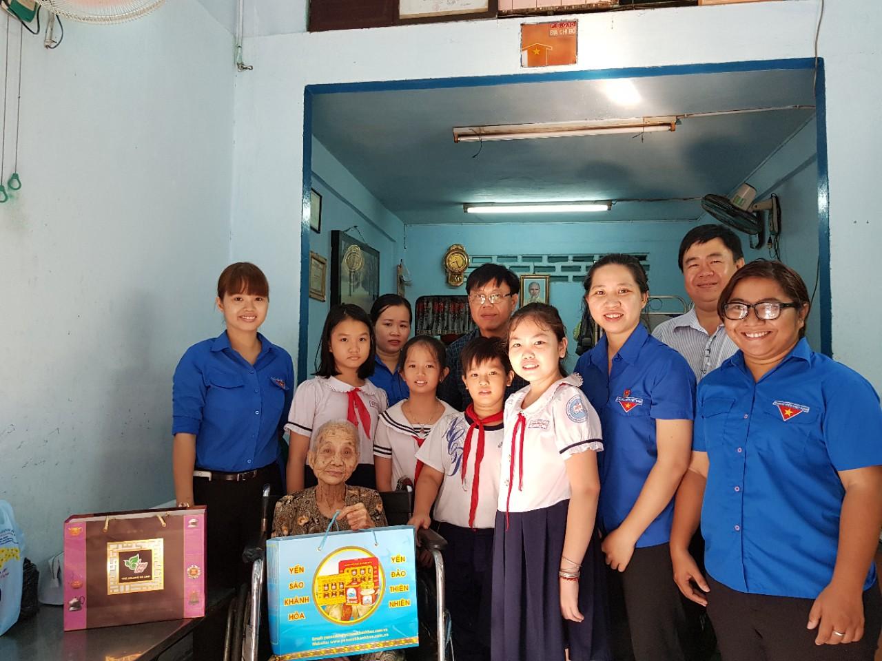 P5 - Thăm má Lê Thị Hiếu - Má phong trào học sinh - sinh viên