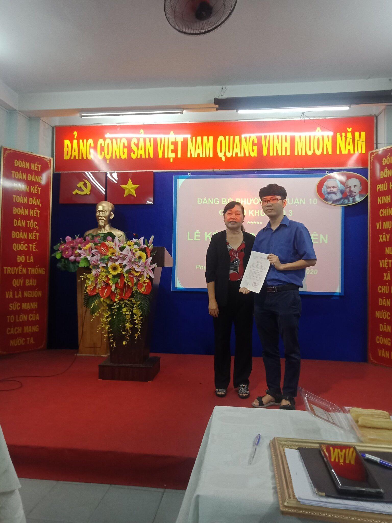 Kết nạp Đảng cho thanh niên kỷ niệm 90 năm thành lập Đoàn